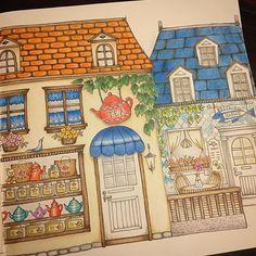 Instagram media sachi11art - #coloring #coloringbook #eriy #romanticcountry #prismacolorpencils #塗り絵 #おとなの塗り絵 #ロマンティックカントリー #色鉛筆  Done done done!! よーーーやくこのページ終わった シーフードレストランは地中海ぽい雰囲気にしたくて壁にパターンを入れてみましたが、なんだか失敗...?何はともあれようやく次に進めます。次は何を塗ろうかなー。