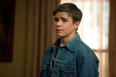 BEST casting for young Dean Winchester: Dylan Everett. This young man nailed Dean's character which is why Dylan Everett has played young Dean at least twice on the show. Supernatural Photos, Supernatural Season 10, Supernatural Dean, Castiel, Boy Images, Boy Photos, Dylan Everett, Perfect Boy, Dean Winchester
