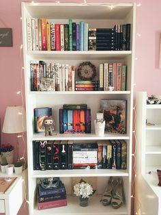 The Joy of Reading : Photo Study Room Decor, Cute Room Decor, Room Ideas Bedroom, Bedroom Decor, Bookshelf Inspiration, Room Inspiration, Bookshelves In Bedroom, Aesthetic Room Decor, Home Room Design