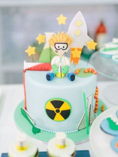 Look at this Mad Science Birthday Party cake! See all 40 images at Kara's Party… Science Cake, Mad Science Party, Mad Scientist Party, 10 Birthday Cake, Birthday Cake Decorating, Birthday Party Themes, Boy Birthday, Birthday Ideas, Cupcakes