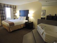 Whirlpool Room - Quality Hotel Hamilton 905-578-1212 - Hotel, Travel, Tourism, HamOnt, Hamilton, Ontario, Accommodations, Stoney Creek Quality Hotel, Guest Room, Flat Screen, Hamilton Ontario, Travel Tourism, Bed, Rooms, Furniture, Design