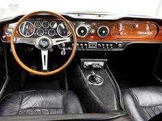 Maserati Mexico interieur Custom Car Interior, Classic Sports Cars, Classic Cars, Car Interiors, Vintage Interiors, Exotic Cars, Dashboards, Dream Cars, Auto Upholstery