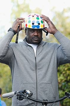Shaquille O'Neal in Nutcase Shaquille O'neal, Helmets, Bike, Tv, Celebrities, Movies, Fashion, Bicycle, Moda