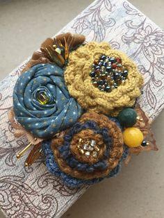 """Купить Вязано-текстильная брошь """"Осенние краски"""" - брошь ручной работы, брошь цветок"""