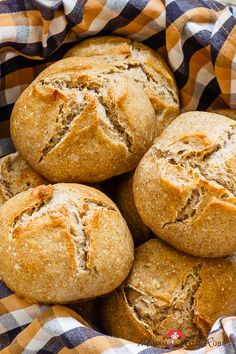 Brotchen Recipe, Kefir Benefits, Kefir Recipes, Breakfast Tea, Piece Of Bread, Easy Baking Recipes, Pumpkin Recipes, Bread Baking, Smoothie Recipes