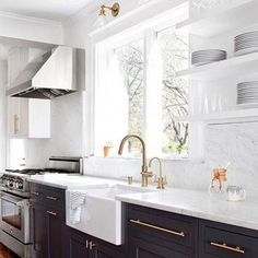 29 Catchy Kitchen Cabinet Hardware Ideas 2019 (A Guide for Decorating) White Kit. - 29 Catchy Kitchen Cabinet Hardware Ideas 2019 (A Guide for Decorating) White Kitchen Cabinets Cabin - Best Kitchen Cabinets, Kitchen Cabinet Hardware, Kitchen Cabinet Design, Brass Hardware, Dark Grey Kitchen Cabinets, Cabinet Decor, Kitchens With White Appliances, Unfinished Kitchen Cabinets, Farmhouse Cabinets