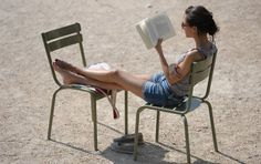 14 Pieces of Literature You Can Read at Lunchtime