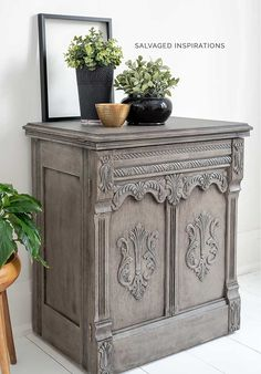 Today I'm sharing How To Create a GREIGE Restoration Hardware Paint Finish using only 2 Paint Colors! Gray Wash Furniture, Bedroom Furniture Sets, Paint Furniture, Furniture Makeover, Bedroom Sets, Furniture Design, Chair Design, Modern Furniture, Furniture Refinishing
