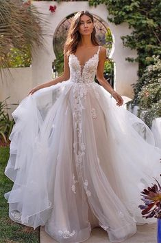 Tulle Full A-Line Wedding Gown Moonlight Couture Wedding Gown wedding gown Plain Wedding Dress, Top Wedding Dresses, Luxury Wedding Dress, Wedding Dress Trends, Bridal Dresses, Mini Dresses, Gown Wedding, Beaded Dresses, Lace Wedding