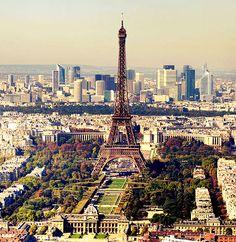 #Eiffeltower, #Paris    © Taxiarchos228, Wikipedia USA