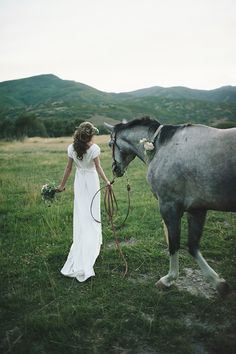 Bridals with a horse, Jessie Alexis Photography
