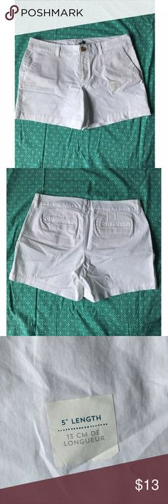 Old Navy white shorts Old Navy white shorts. Never worn and some tags still left on. Size 10 and 5' length. I have these shorts in a different color and they are so comfy. Great for summer! Old Navy Shorts