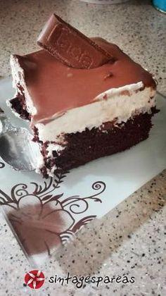 Πάστα Lacta της Έλενας #sintagespareas Greek Sweets, Greek Desserts, Sweets Recipes, Real Food Recipes, Food Network Recipes, Homemade Sweets, Homemade Cakes, Cyprus Food, Chocolate Sweets