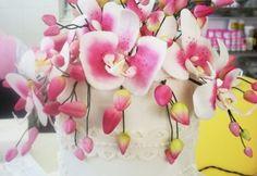 Bolo com flores  www.nininhasigrist.com.br