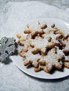 Biscotti fiocchi di neve alla cannella