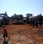Tentara Zionis kembali menghancurkan kebun zaitun milik warga Palestina  JENIN (Arrahmah.com)  Puluhan tentara Zionis Israel yang didukung buldoser militer menyerang desa Thaher Al-Maleh utara kota Yabad Tepi barat bagian utara dan mencabut pohon zaitun di lahan seluas 20 Dunam. Omar Al-Khatib Kepala Dewan Desa Thaher Al-Maleh mengatakan bahwa lahan yang dirusak tersebut adalah milik Abdullah Fahmi Al-Kilani dari Yabad dan Fathi Zeid dari desa Nazlet Sheikh Zeid lansir IMEMC pada Jumat…