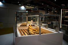 MINIMAL display counters@ INTERSICOP2019 Displays, Counter, Madrid, Minimalism, Display Stands