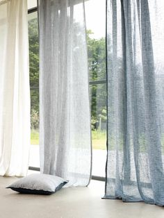 43 Ispiring Home Curtain Design Ideas. Contemporary curtains are available in a variety of unique curtain designs which play an important part in influencing contemporary home decorating concepts. Natural Curtains, Sheer Linen Curtains, Grey Curtains, Velvet Curtains, Drapery, Hanging Curtains, Blackout Curtains, Grey Living Room Curtains, Bedroom Curtains With Blinds