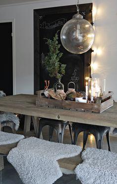 Med disse julebildene fra hytta vil jeg ønske alle mine trofaste lesere ei riktig god jul! Ta vare på hverandre og lad batteriene - det...