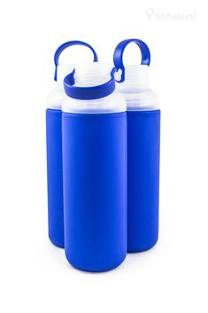 Glass water bottle with silicon sleeve, blue - Stillabunt Glass Water Bottle, Glass Bottles, Drink Bottles, Drinkware, Flask, Tumbler, Glass