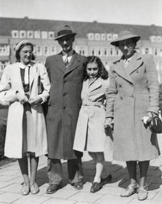 This photo shows Margot Frank, Otto Frank, Anne Frank and Edith Frank-Holländer on the Merwedeplein square in Amsterdam. It is the only photo which shows the whole family together. It was taken in Anne is then 12 years old. (Ref Diary of Anne Frank) Anne Frank, Margot Frank, Steve Jobs, Marie Curie, Fraggle Rock, World History, History Pics, Ww2 History, History Images