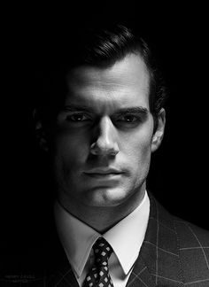 Henry Cavill Uniited HOTT!!! Who can resist a well dressed MAN!