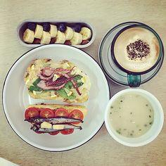 「 morning Friday ))))) :-}} #morning #breakfast #foodstagram #foodphoto #foodpic #top_food_of_instagram #yummy 」