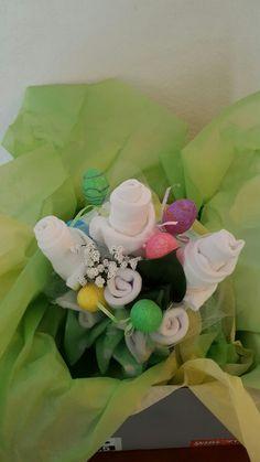 Oneies bouquet Three Oneies, white baby socks, baby washcloths