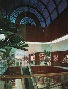 Macys's Galleria, Dallas, TexasFrom The Best of Store Designs (1987)