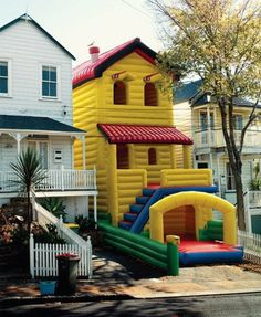 WHOA!!!!!!! Talk about a bouncy house...NOW thats a bouncy house!