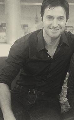 Richard Armitage - oh... He's just sooo cute.