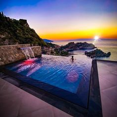 """Isola Bella Infinity Suites on Instagram: """"There's nothing better than looking this magic sunrise with a stunning view of Taormina bay relaxing in your 30 degrees heated pool! 📸…"""" Stunning View, Beautiful, Heated Pool, Cool Pools, 30 Degrees, Pool Designs, All Over The World, Swimming Pools, Infinity"""