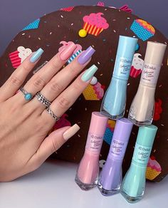 ⭕ Quer aprender a fazer lindas unhas fortes como está, clique no link azul do meu perfil Repost . Clique no link azul no meu… Minimalist Nails, Stylish Nails, Trendy Nails, Vernis Rose Pale, Nagel Hacks, Fall Nail Art Designs, Best Acrylic Nails, Dream Nails, Pastel Nails
