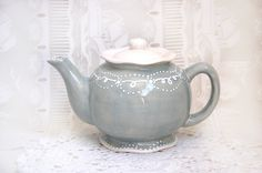 Sweet grey teapot detailed with white accent by Dprintsclayful. I WANT this teapot!