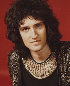 Guitarist Brian May of British rock band Queen, London, (Photo by Michael Putland/Getty Images Queen Brian May, I Am A Queen, Save The Queen, John Deacon, Great Bands, Cool Bands, Nothing Lasts Forever, Queen Photos, Queen Pictures