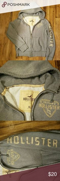MENS HOLLISTER HOODIE MENS DISTRESSED HOLLISTER HOODIE IN GOOD CONDITION Hollister Sweaters Zip Up