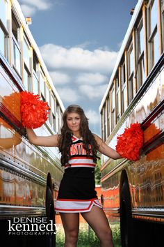 I love this, I want a senior pic of my daughter in her uniform like this.