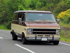 Chevrolet Van, Chevrolet Trucks, Vintage Vans, Vintage Trucks, Chevy Vehicles, Chevy Vans, Dodge Van, Vanz, Day Van