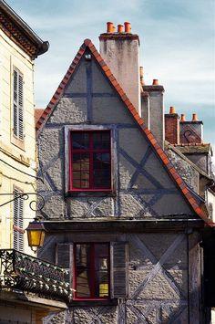 Maison de Jeanne d'Arc. Moulins, Allier, Auvergne, France.