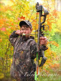 Senior Photography  Posing Ideas for Senior Guys  Bow and Arrow  Posing Ideas for Hunting   Fall Colors