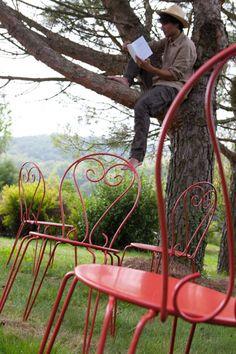 Chaises de jardin en fer rouillé repeint avec la peinture fer Idéco V33