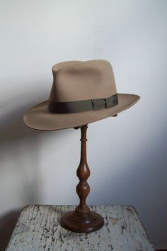 Vintage mens hat felted fedora Stratton Hat by CrookedJoesAntiques, $58.99
