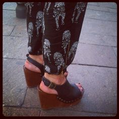 Preview of saturday post #street fashion #walkinfashion #streetstyle #streetpics #fashion #moda #zeppe #wedges