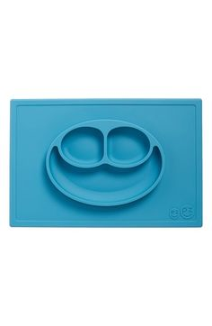 Free shipping and returns on ezpz 'Happy Mat' Silicone Feeding Mat at Nordstrom.com. Let your little self-feeder do it up right while containing the mess with this cute smiley-face feeding placemat that features one-piece silicone construction so it's a cinch to clean. Three sections corral different foods for little ones that don't want their food to touch and since silicone doesn't support the growth of fungus, mold or bacteria, you can feel good using it time after time. Best of all? It's…
