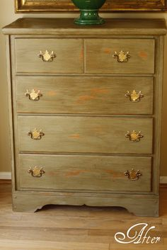 tutorial on a distressed dresser using paint products