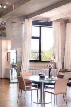 Wie gemütlich Stein sein kann zeigt dieses traumhafte Esszimmer!  Photocredits: HOME Immobilien GmbH