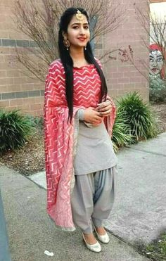 Shop salwar suits online for ladies from BIBA, W & more. Explore a range of anarkali, punjabi suits for party or for work. Patiala Suit Designs, Kurta Designs Women, Kurti Designs Party Wear, Salwar Designs, Blouse Designs, Ladies Suits Indian, Indian Attire, Indian Outfits, Indian Clothes