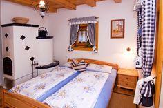 Mézeskalácsházikók egy zalai szőlőhegyen - Szallas.hu Blog Romantic Places, Toddler Bed, Hungary, Travel, Furniture, Blog, Home Decor, Child Bed, Viajes