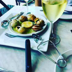 Von Erl Starter Kit with Escargot #vonerl #ejuice #eliquid #liquid #dampfen #vaping #vape #vapeon #vapedaily #vapestagram #instavape #instavaperz #vapeart #picoftheday #vapelife #vapelifestyle #vapepics #enjoynature #vapenation #vapefam #vapeforlife #ilovevaping #cloudchaser #handcheck #naturephotography #enjoylife #ecig @von_erl