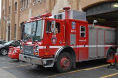 La Commission des relations de travail (CRT) donne raison à l'administration du maire Denis Coderre et ordonne aux pompiers de Montréal « de répondre de façon normale et habituelle aux appels d'urgence ». Administration, Ems, Core, The Unit, Fire Department, Dancing With The Stars, Relationships, Emergency Medicine